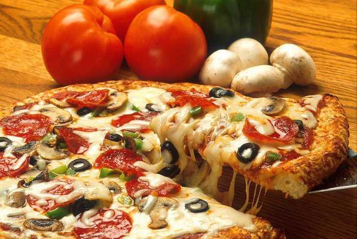 Что лучше: сделать пиццу самому или заказать?