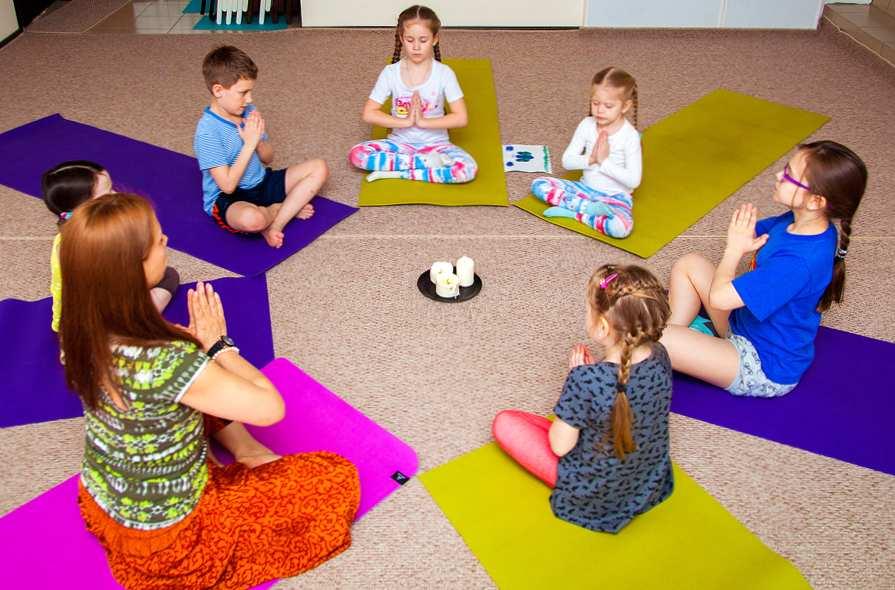 Чем хатха йога полезна для ребенка?