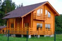 Кто предлагает строительство домов из бруса под ключ недорого?