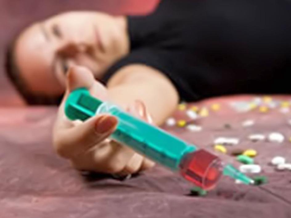 Как можно вылечить наркоманию и алкоголизм?