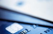 Особенности оформления кредитных и дебетовых карт