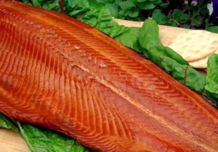 Как приготовить копченую рыбу?