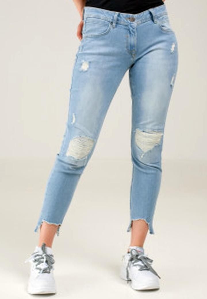 Какие джинсы в тренде в этом году?