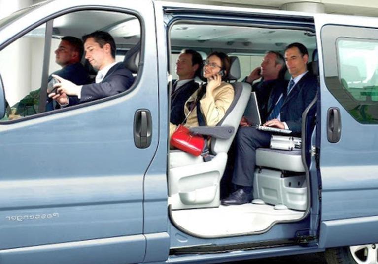 Как производится развозка персонала в спб?